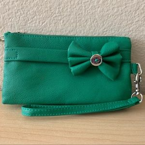 SAX clutch/make up bag in green w/a bow & a button